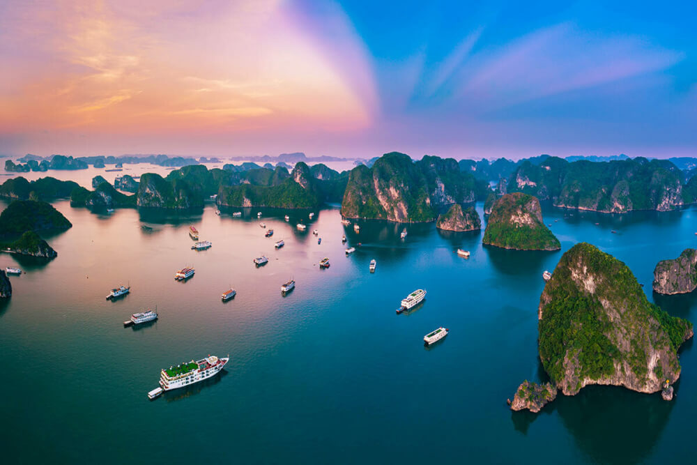 Vịnh Hạ Long - di sản thiên nhiên thế giới. Ảnh: Shutterstock/Andy Tran.