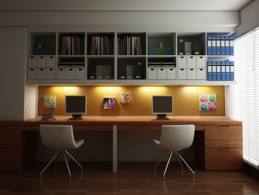 Hình ảnh phòng làm việc tại nhà với bàn gỗ, giá kệ treo tường, đèn LED trang trí
