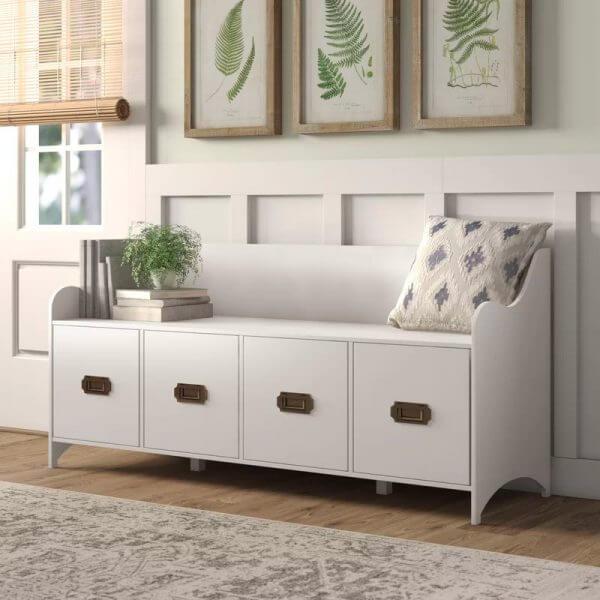 Hình ảnh mẫu ghế ngồi lối vào có tựa lưng, phía sau treo ảnh, dưới ghế tích hợp các hộc lưu trữ