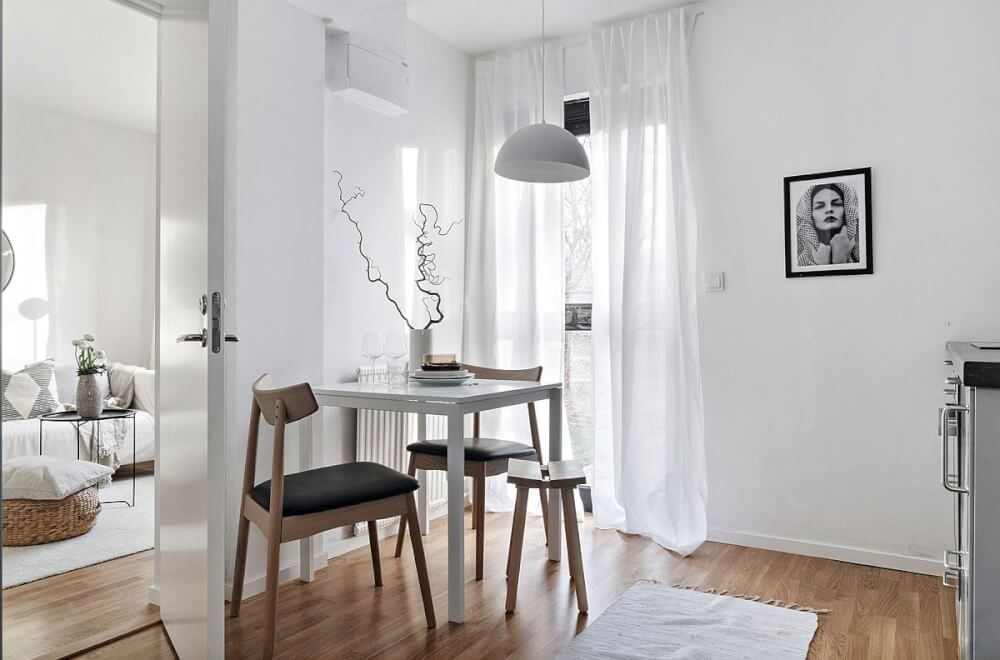 Hình ảnh phòng ăn nhỏ tích hợp trong phòng bếp dành cho hai vợ chồng