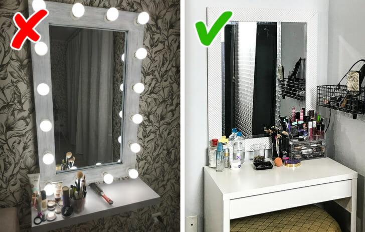 hình ảnh cận cảnh góc bàn trang điểm với đèn gương Hollywood, góc bên cạnh là đèn bình thường màu trung tính