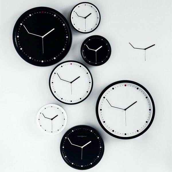 hình ảnh mẫu đồng hồ treo tường có kim phút uốn cong độc đáo