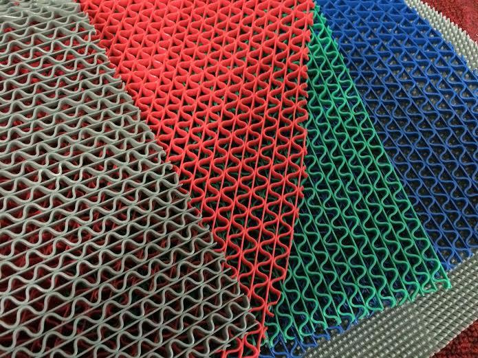hình ảnh các mẫu thảm nhựa lưới chống trơn trượt nhà tắm với màu đỏ, ghi xám, xanh