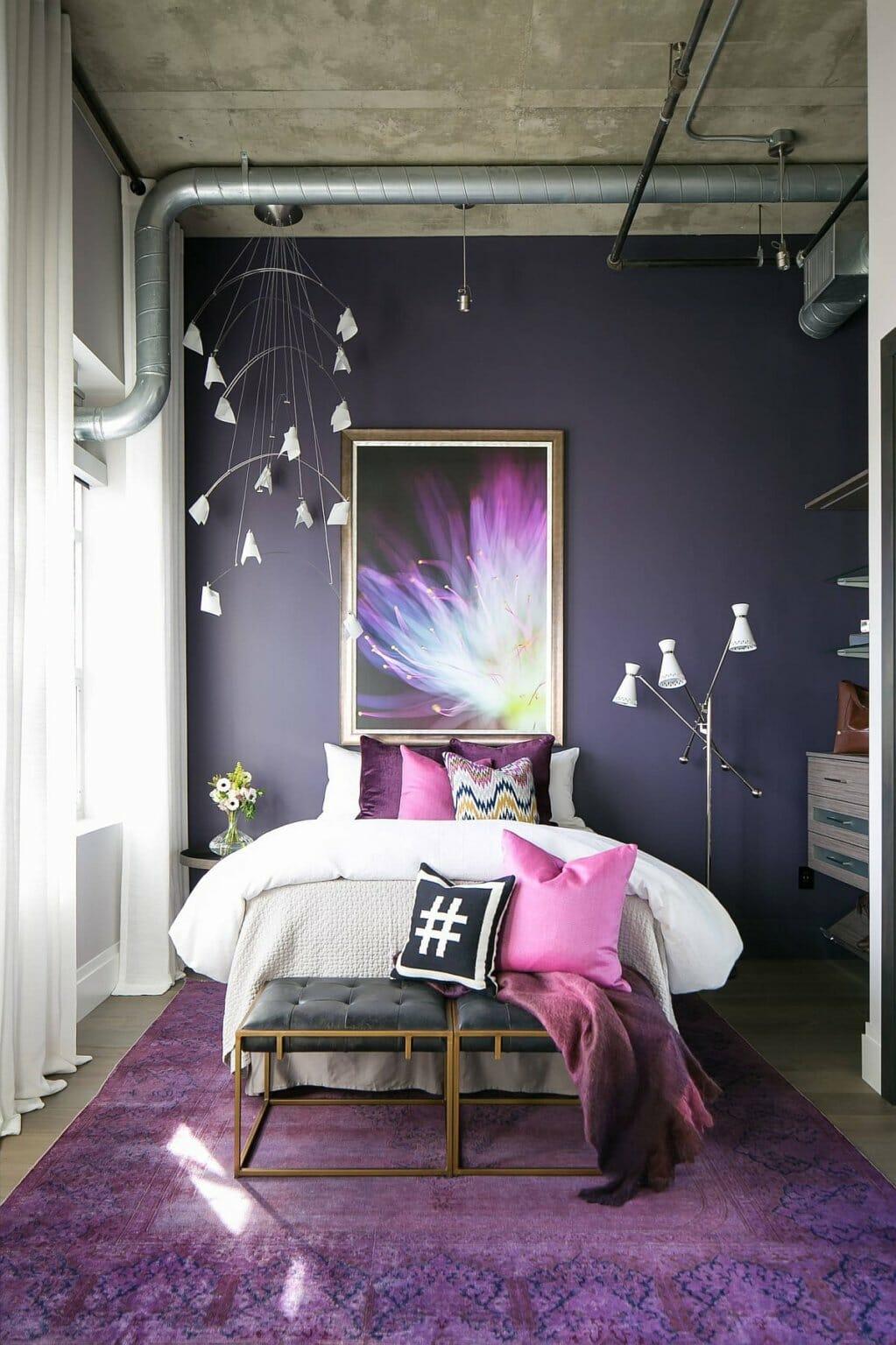 hình ảnh phòng ngủ nhỏ màu tím nhẹ nhàng, lãng mạn