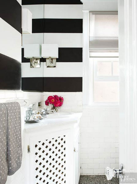 hình ảnh phòng tắm màu đen - trắng tương phản
