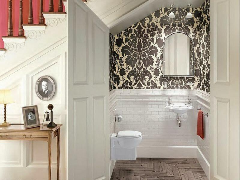 Đặt nhà vệ sinh ở phía dưới chân cầu thang sẽ làm ảnh hưởng đến luồng khí lưu thông trong nhà.