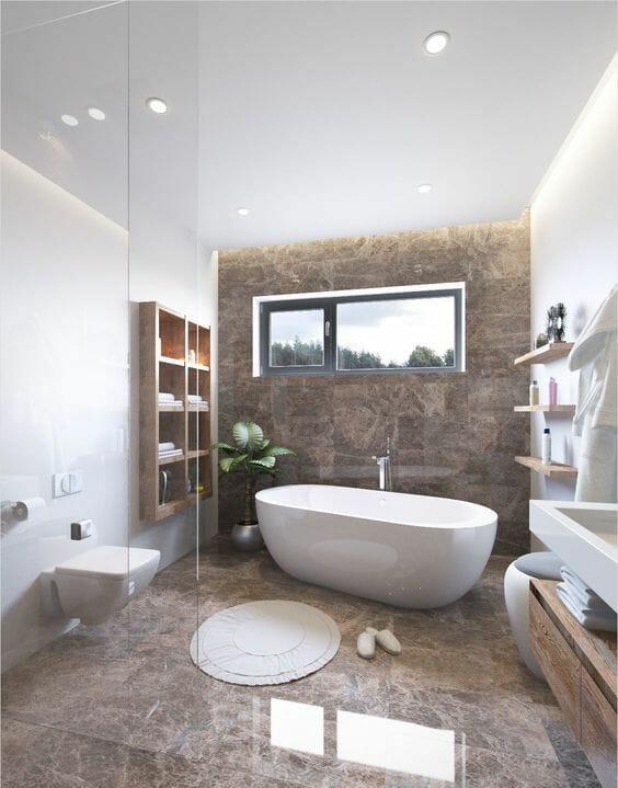 hình ảnh phòng tắm đẹp tinh tế với những bức tường trắng bao quanh một bức tường và sàn bằng đá cẩm thạch màu nâu, nội thất gỗ hiện đại.
