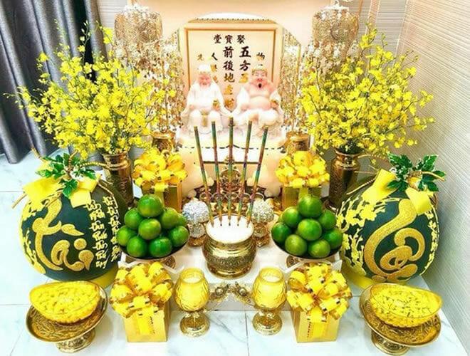 Những loại hoa cắm trên bàn thờ